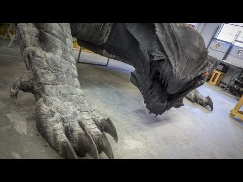 Making a Life-Size Dragon! (Monster Hunter 4 Ultimate)