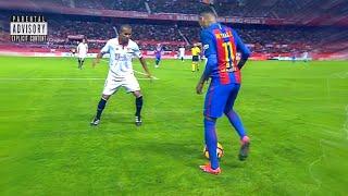 Neymar invents dribbling never seen in football!