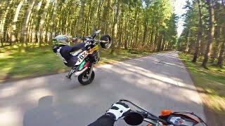 wheelies on point ktm 690 smcr und husky 501 in action