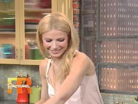 Gwyneth Paltrow Makes Fried Zucchini Pasta On Rachael Ray