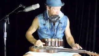Juzzie Smith - Be Love - Live with Wazinator stompbox