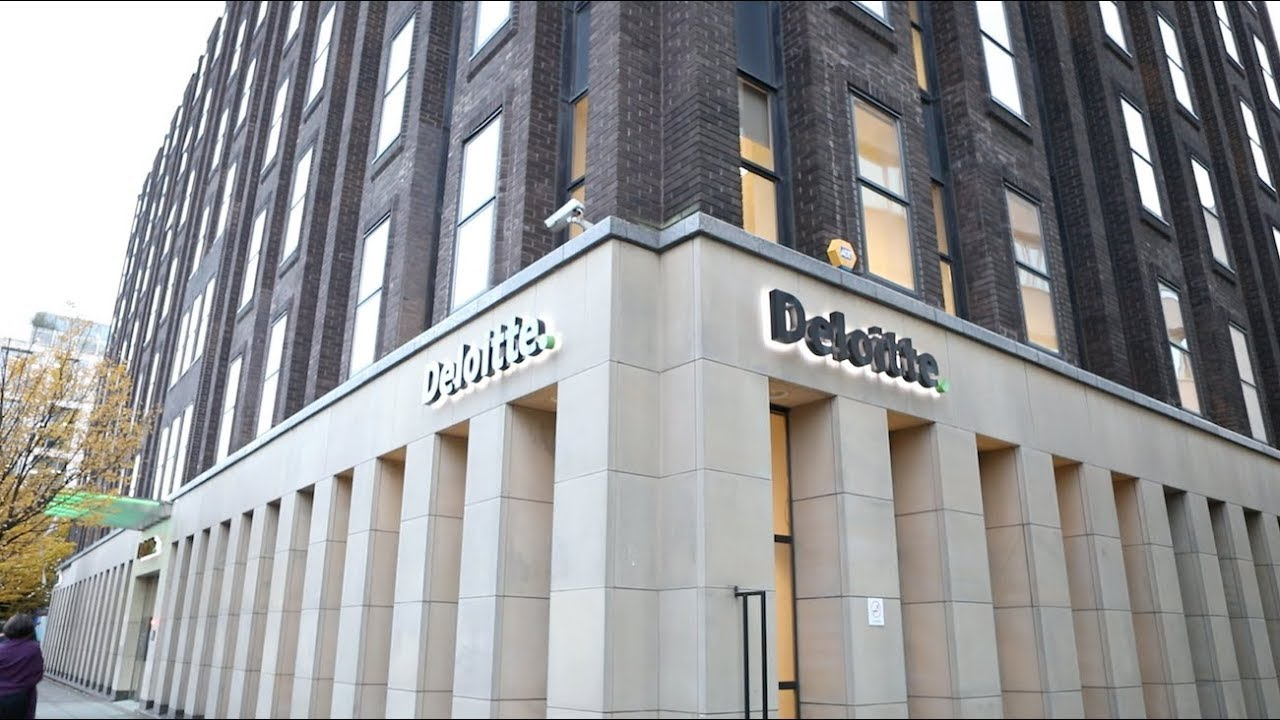 How does Deloitte incorporate agile working?