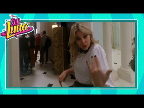 Soy Luna 3 - Dietro le quinte  In scena con Valentina - Disney Channel IT