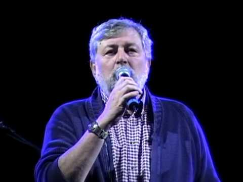 Francesco guccini live su in collina spoleto youtube for Guccini arredamenti