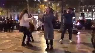 رقص شباب مصر على مهرجانات في اوروبا