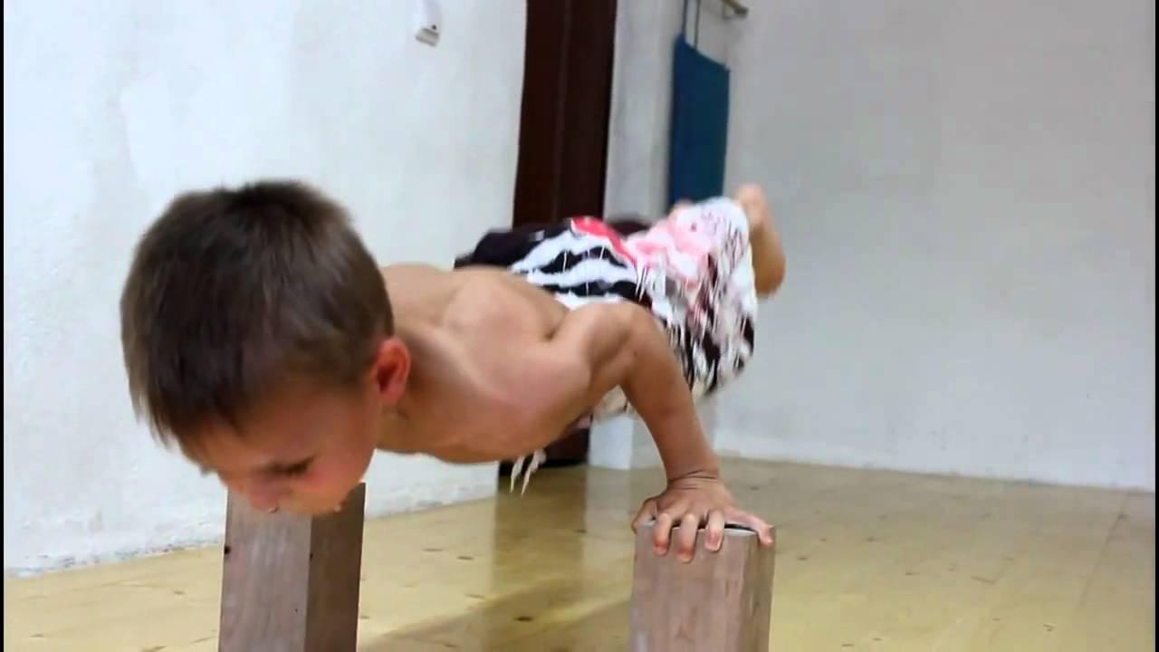 Niesamowity dzieciak   Śmieszne Filmy, Filmiki, Gry Online  milanos pl
