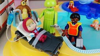 Masha and Bear pool Accident and baby doll doctor hospital toys play 마샤와 곰 수영장 사고 의사 병원놀이 아기인형 장난감놀이