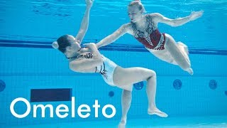 A synchronized swimmer tries to win the championship and her coach's heart.   Breathless