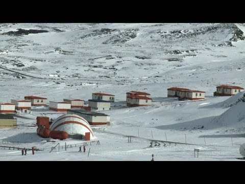 In Antarctica, a town that thrives despite the shivers