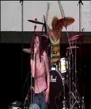 The Donnas - Take It Off (V Festival 2002)