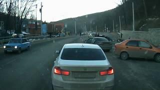 Страшная авария на перевале, машина в кучу метала.