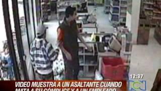 Asalto deja hombres asesinados en un supermercado en Bogota thumbnail