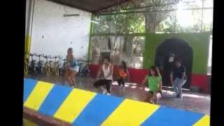 Moviendo Caderas   Daddy Yankee Feat Yandel Coreografia By Alexander Chavarria