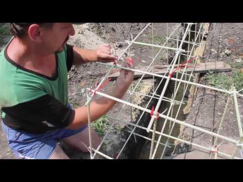 Как вязать пластиковую арматуру для фундамента видео