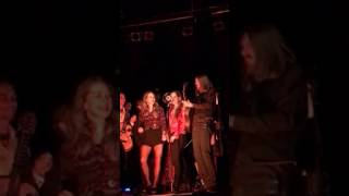 """The Wood Brothers - """"Keep Me Around"""" (Featuring T Sisters)"""