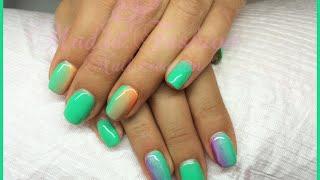 Nail Art - monocolore verde con sfumature viola e arancio fluo (ricostruzione o smalti) Thumbnail