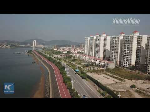 Sneak peek of newly-built running track with a full sea view in S China