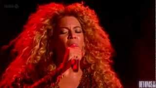 "Beyoncé performs ""1+1"" live at Glastonbury (HD 720p)"
