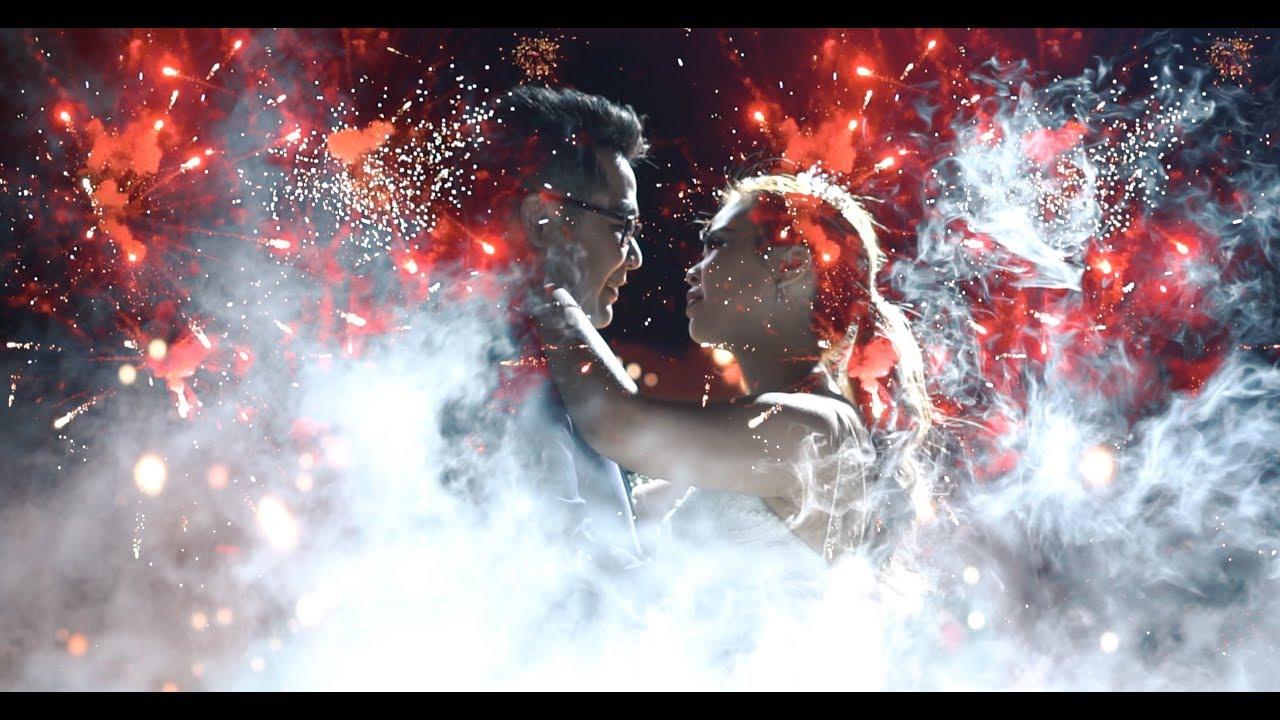 [ LIVE RECORD ] Disko Dalam Cahaya di Jantung Kota Surabaya | #DISKODIWEDDING Dance of Ezra & Gaby