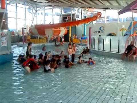nauru/ozie - indoor swimming 6