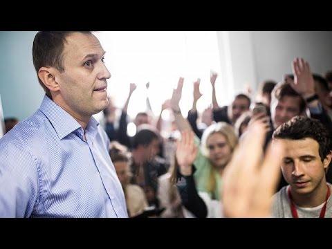 Russian opposition leader Navalny starts presidential bid