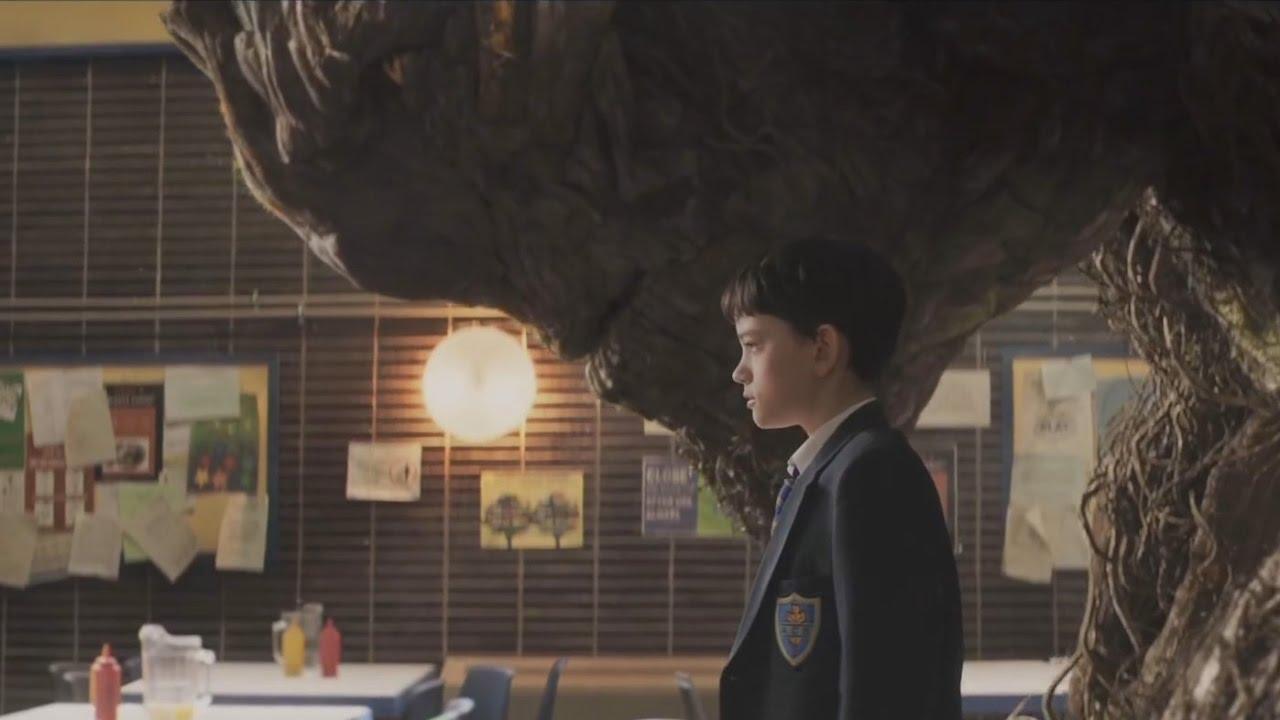 Un monstruo viene a verme (A Monster Calls) - Tráiler Oficial Doblado
