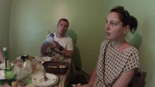 Тбилиси, кафе в гараже,вкусная еда,дорога в Гори