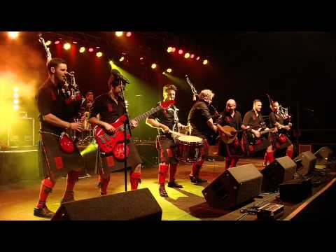 Red Hot Chilli Pipers - Croftinloan Times LIVE