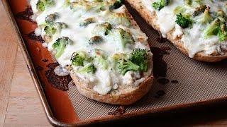 Chicken Alfredo Garlic Bread Pizza recipe