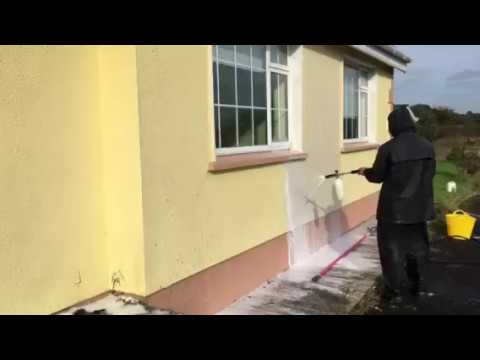Before painting, cleaning walls