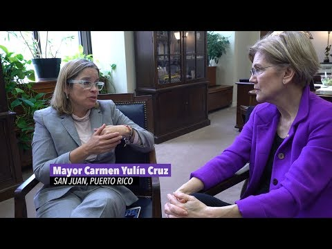 Elizabeth Warren meets with the Mayor of San Juan, Puerto Ri