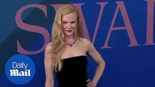 Nicole Kidman stuns in $12,000 Oscar de la Renta gown - Daily Mail