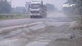 """(VTC14)_Đường Hồ Chí Minh: """"Thủ phủ"""" của xe quá tải phá đường"""