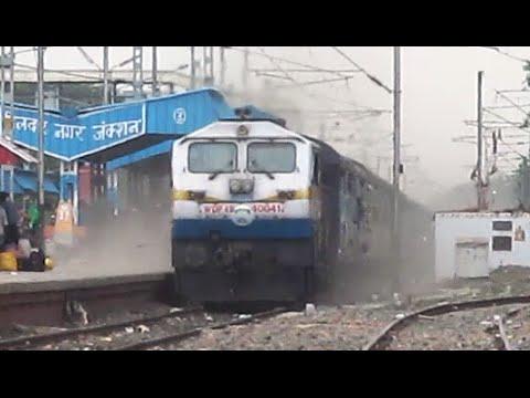 Dangerous Dusty Show : 12142 Rajendra Nagar Patna - Mumbai CST SF Express !!