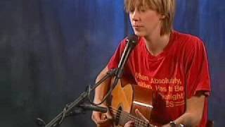 Play Concrete Sky (Acoustic) (Live)