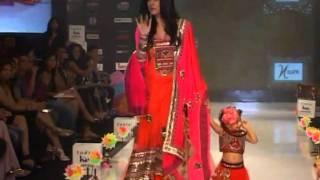 Shruti Seth & Sushmita Sen On The Ramp Walk For India Kids Fashion Week 2012