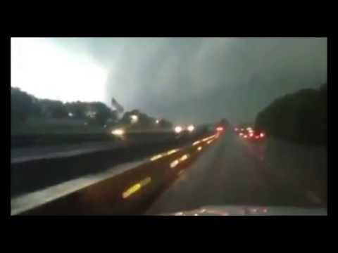 Tornado in Arkansas e Oklahoma, 11 morti...