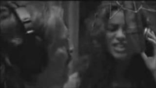 Shakira y Miguel Bosé - Si tu no vuelves