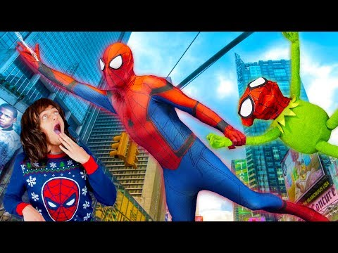 Spiderman Teaches Kermit the Frog How to be a SUPER HERO!