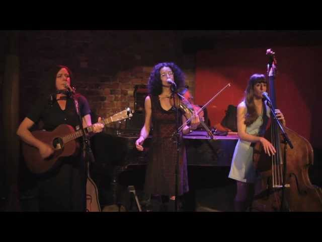 Jan Bell and The Maybelles play 'You'll Never Leave Harlan Alive' (Darrell Scott)
