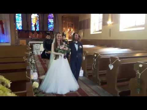 Wyjście z Kościoła - po błogosławieństwie - ślub Głębinów Beata & Paweł