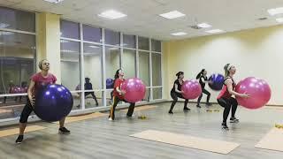 Тренировка TotalBody с фитбол-мячами