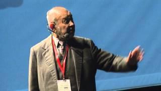 TEDxPrague -  Karel Holomek -  Jak ten čas užít, aby se člověk nemusel moc stydět
