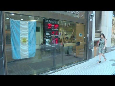 Argentina pone fin a restricciones cambiarias