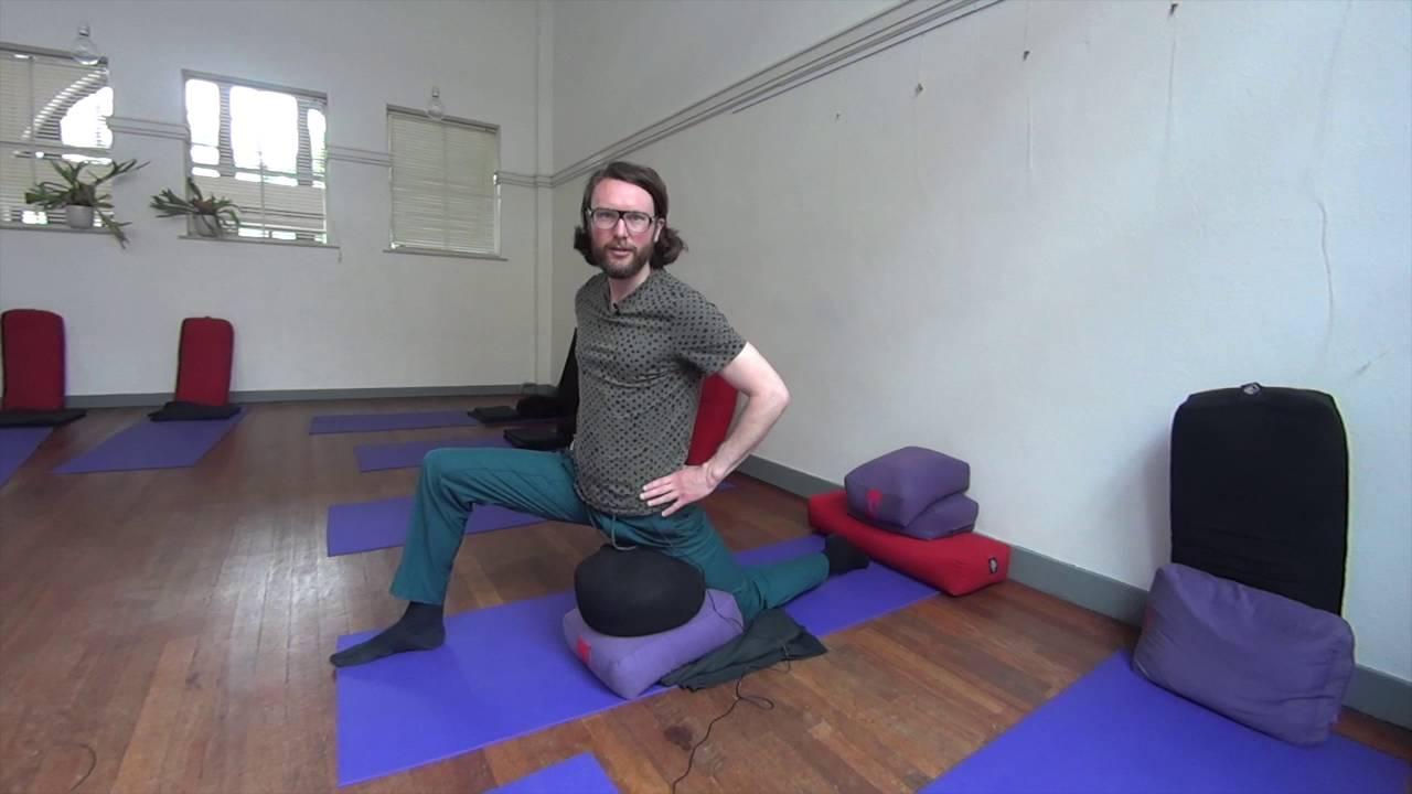 Mindfulness Yoga Oefening Bij Pijn In De Lies Youtube