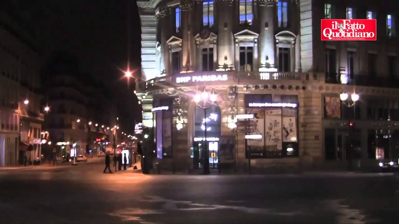 Vedo Le Luci Di Tutte Le Vetrine.Parigi Blitz Notturni Contro Le Luci Di Insegne E Vetrine