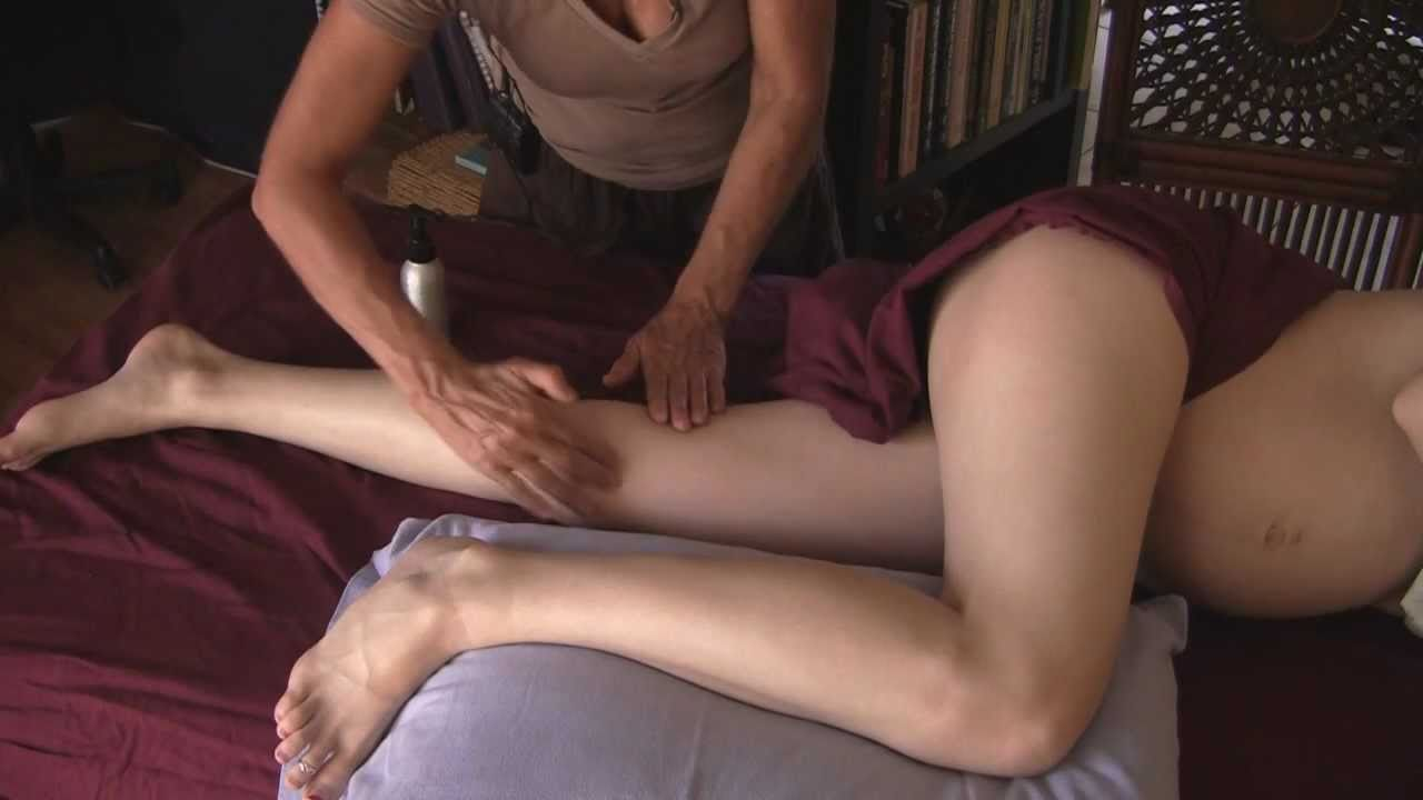Having massage a naked Girls