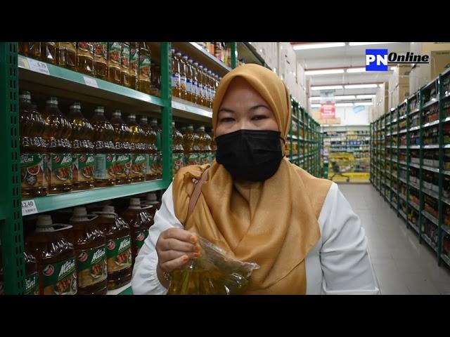 Harga minyak masak di Pasaraya di Pontian masih lagi terkawal