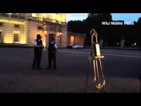 Royal Baby Video   Crowds Outside Buckingham Palace for Royal Baby