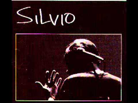 Silvio Rodriguez -Un hombre se levanta